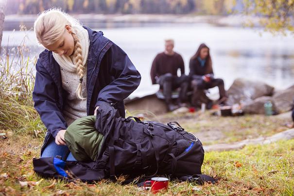 galerie-themenwelt-outdoor-wandern-rucksack-packen-v2